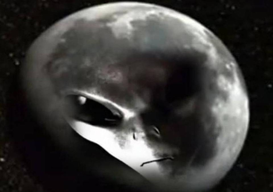 Syfy Channel Presents: Aliens On The Moon: The Truth Exposed! Conspiracy, Cover-up, or Wake-up Call?