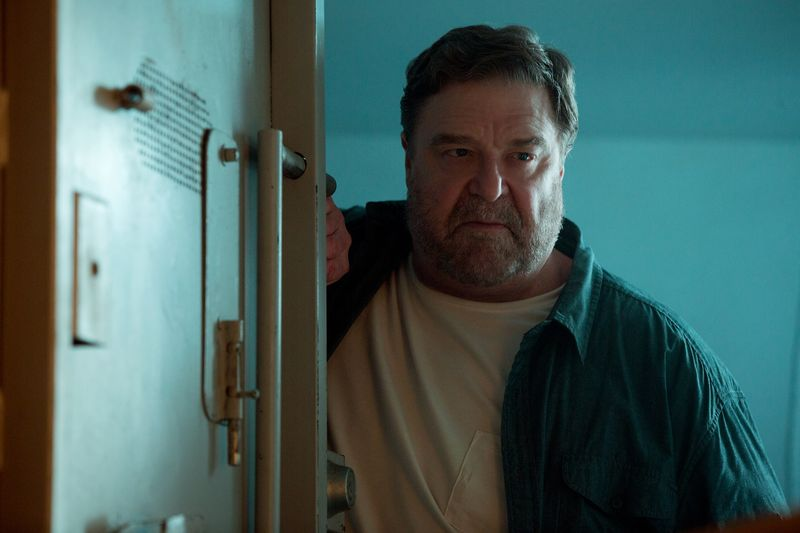 10 Cloverfield Lane Howard menacing