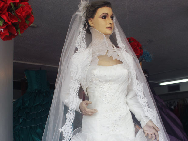 Corpse Bride Wedding Gown: The Mannequin Corpse Bride Of Mexico