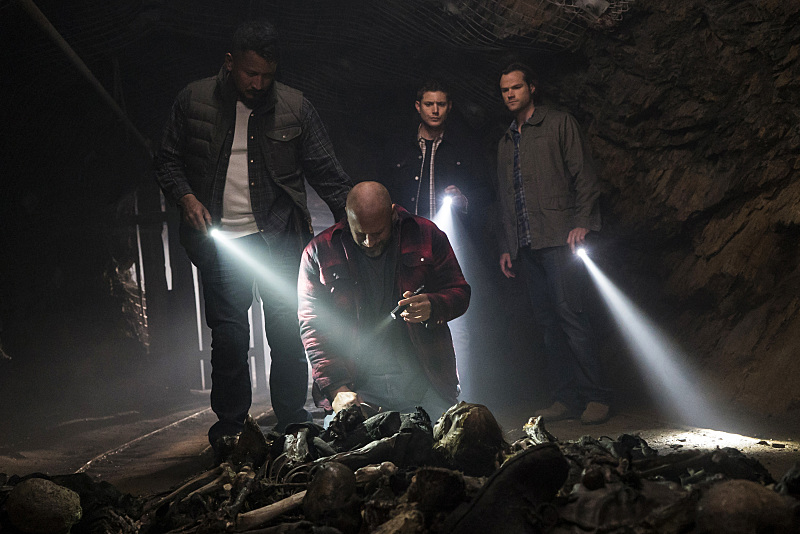 Supernatural The Chitters Sam Dean Jesse Cesar lair