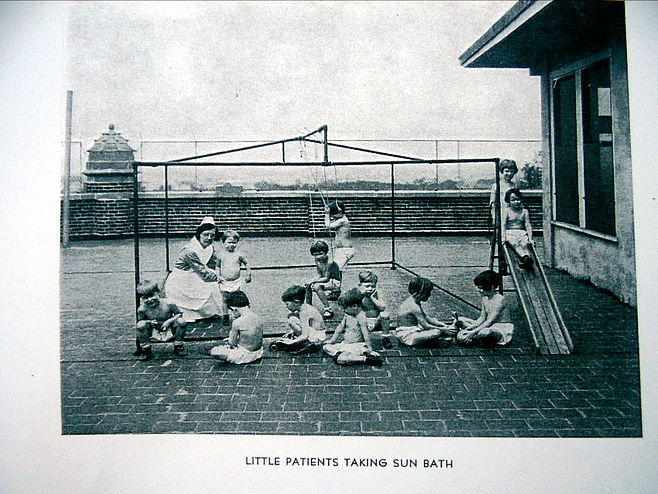 Waverly Hills Sanatorium roof children