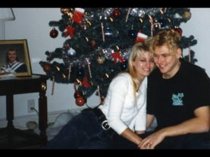 Homolka and Bernardo (with photo of younger sister/victim Tammy Lynn in the background)