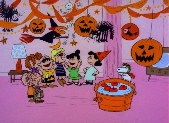 Halloween Divination Charlie Brown bobbing for apples