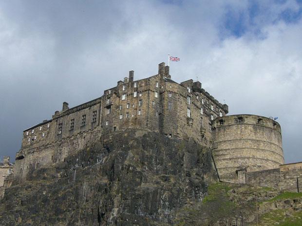 most haunted places Edinburgh castle