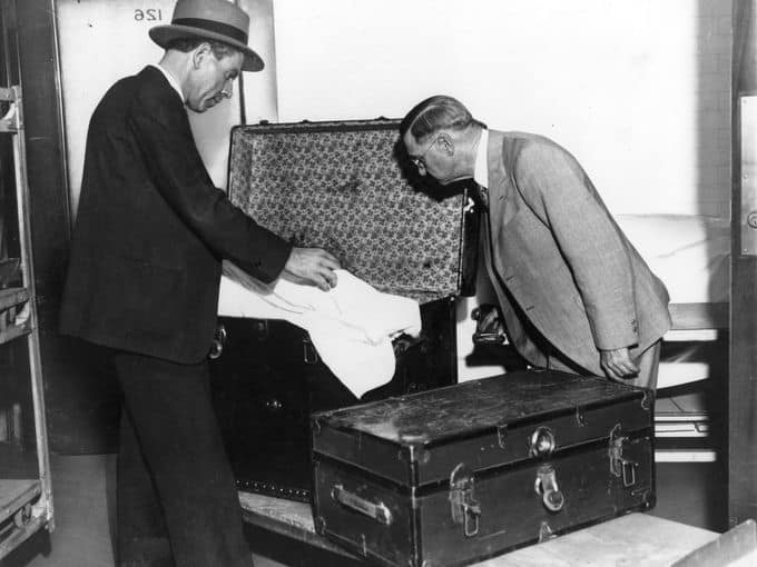 Digging into Winnie Ruth Judd and the Notorious Los Angeles Trunk Murders with Dr. Clarissa Cole on After Hours AM/The Criminal Code Death and travel accessories
