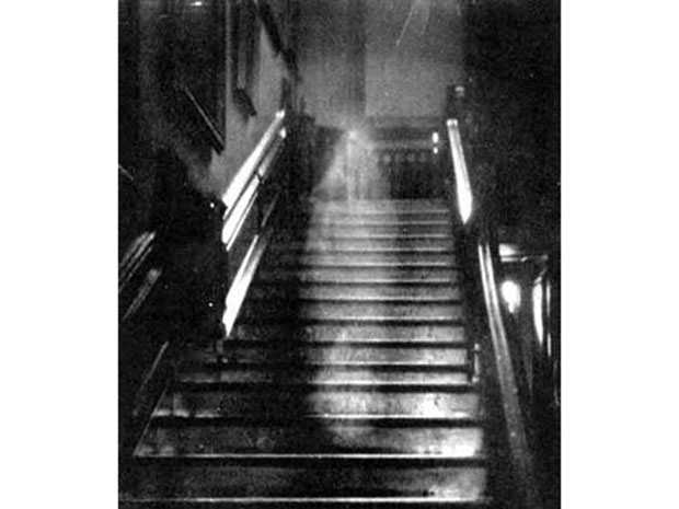 Ghostly Hall of Fame The restless spirits of Anne Boleyn, Abraham Lincoln, and other famous ghosts have been haunting halls for centuries