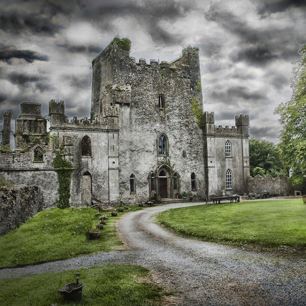 Bloody Red History of Ireland's Haunted Leap Castle Grisly past, swarming with spirits