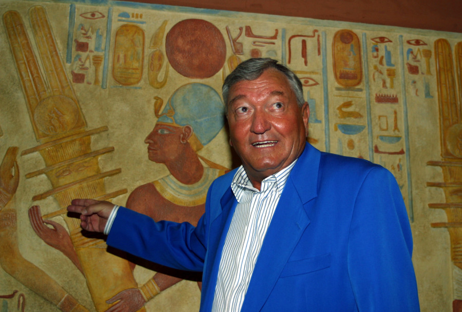 Talking Ancient Aliens with Legendary Erich von Däniken London gala in October for 50th anniversary of CHARIOTS OF THE GODS